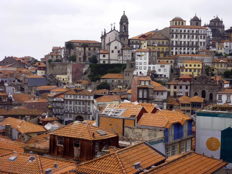 portugal-porto-oporto-old-town.JPG