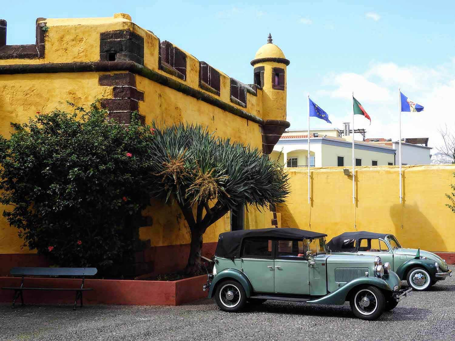 portugal-madeira-island-funchal-fort-sao-tiago-old-classic-cars.jpg