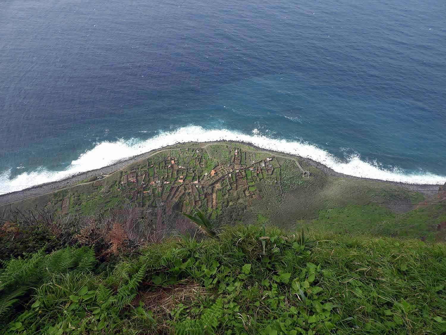 portugal-madeira-island-teleferico-achadas-da-cruz-top-view-shore.jpg