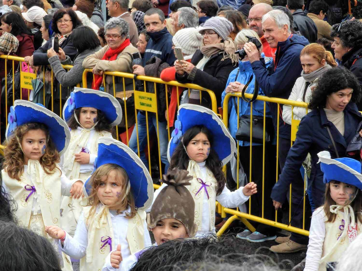 portugal-madeira-island-santana-festa-dos-compadres-children-singing-parade-cold-kids.jpg