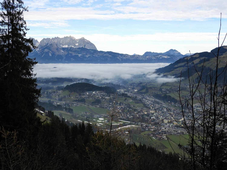 austria-kitzbuhel-alps-valley-fog-town.JPG