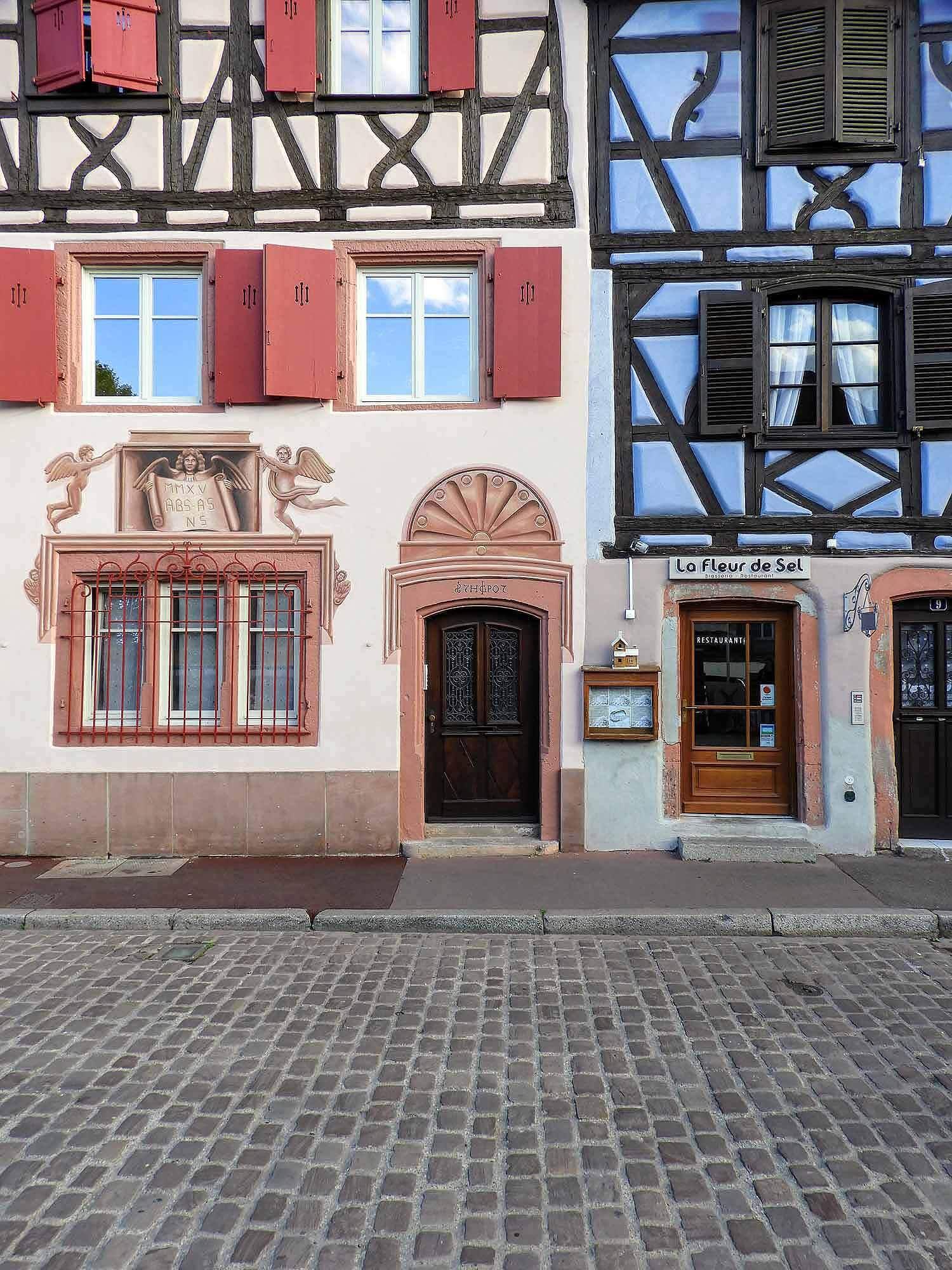 france-colmar-town-apartments-colors-pastel.jpg