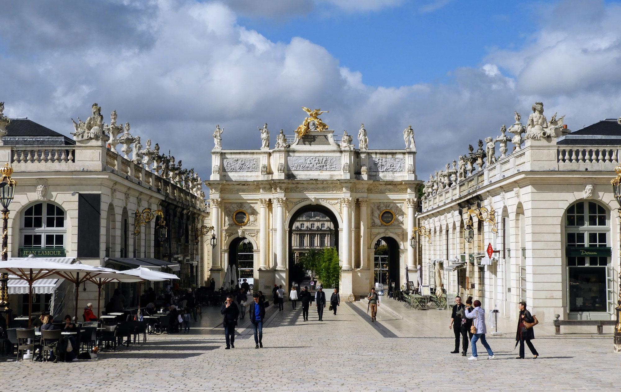 france-nancy-stanislas-square-golden-buildings-banner.jpg