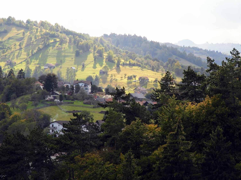 romania-bran-country-village.jpg
