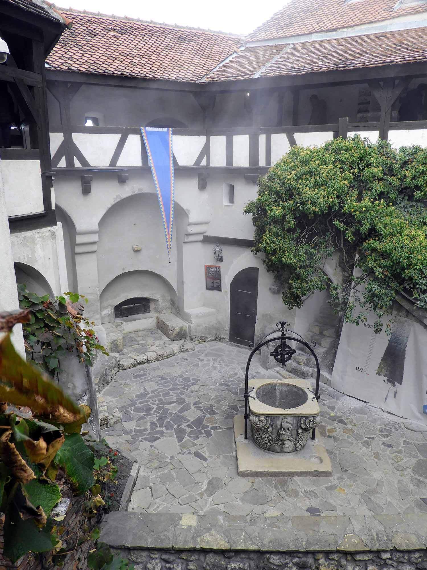 romania-bran-castle-courtyard-well.jpg