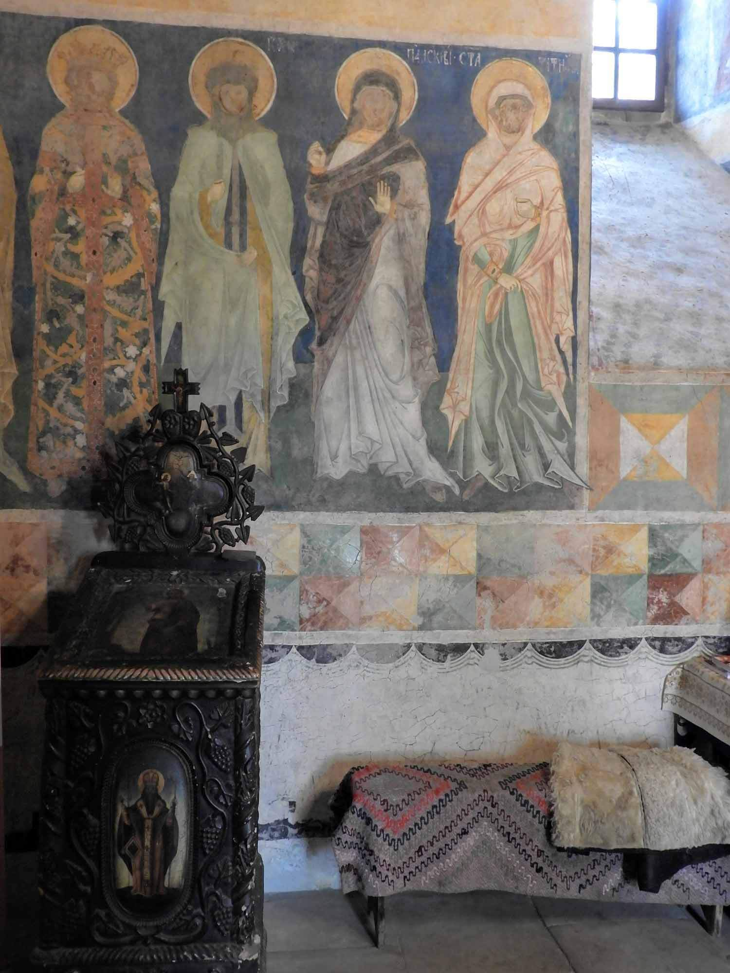 romania-bucovina-arbore-painted-monasteries (5).jpg
