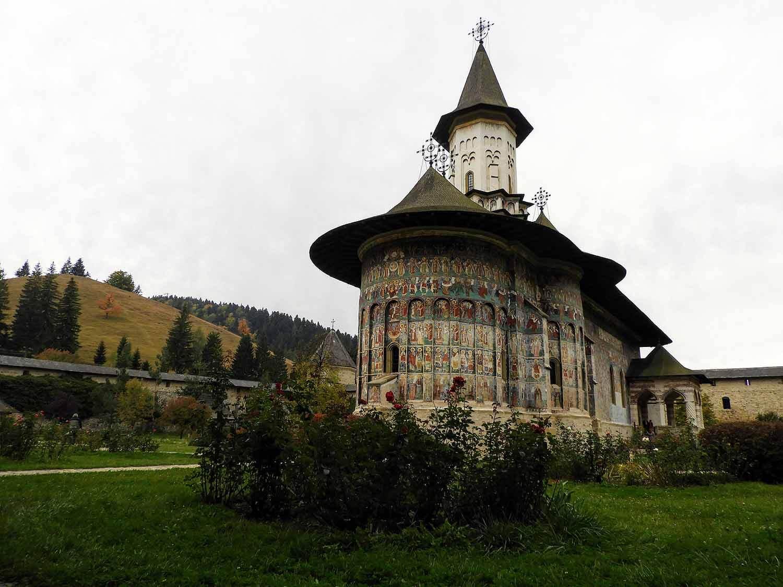 romania-bucovina-suveita-painted-monasteries (3).jpg