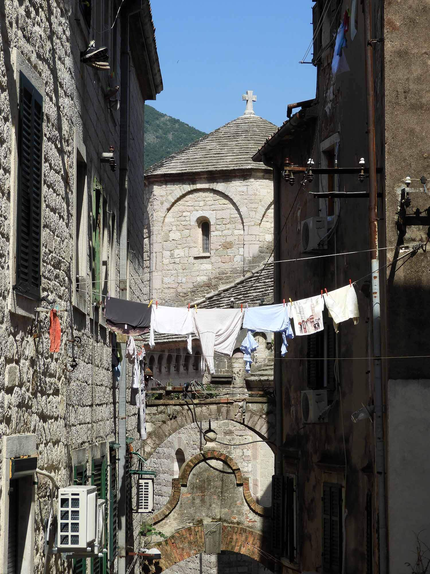 montenegro-kotor-town-street-laundry-clothes-line-alley.jpg