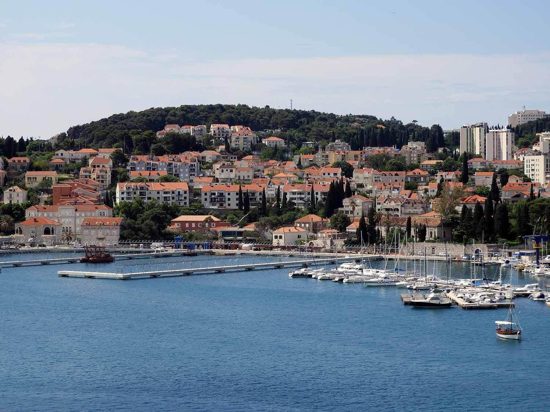 croatia-dubrovnik-city-harbor-boats-unesco.jpg