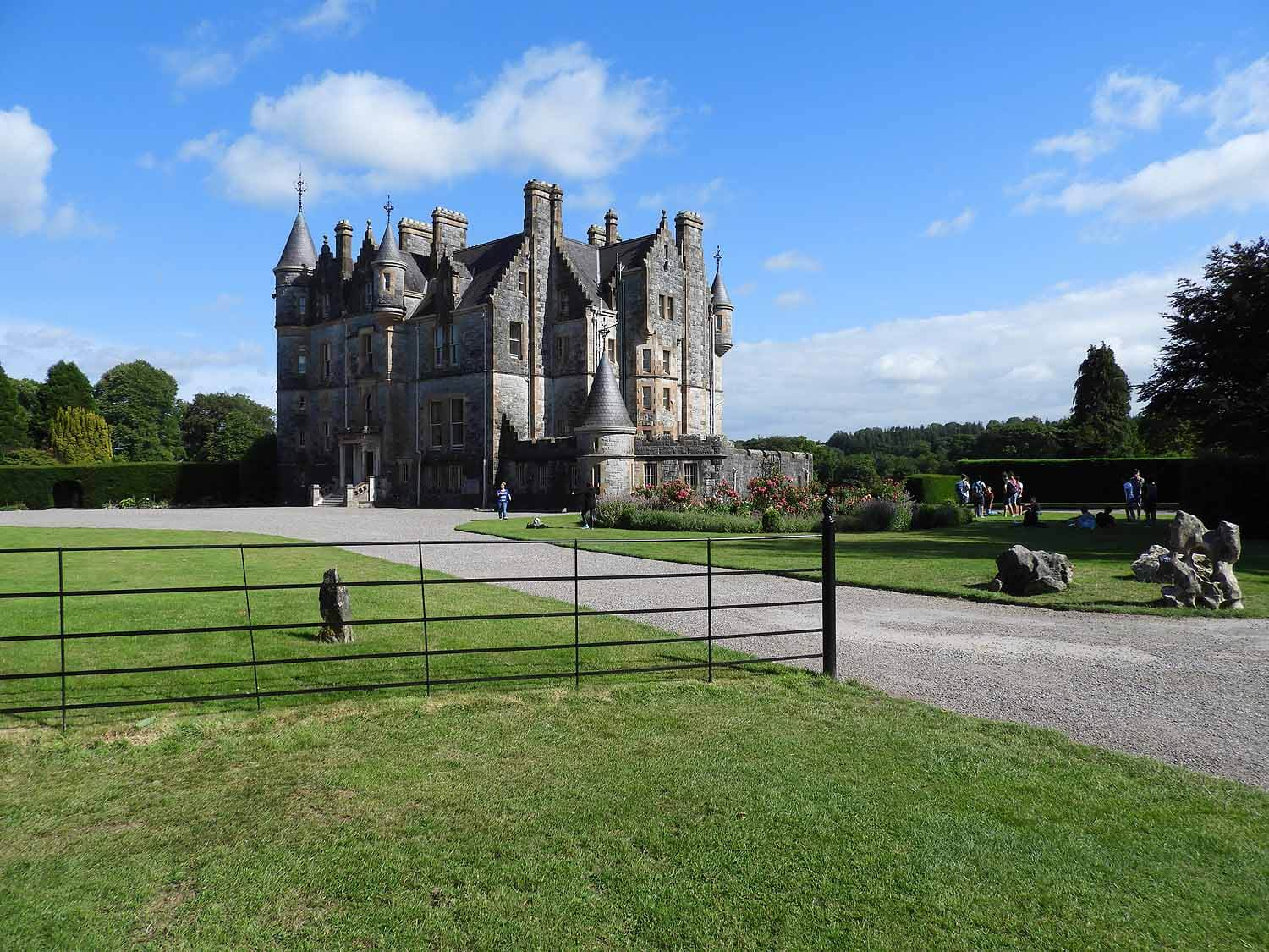 ireland-blarney-castle-grounds-house-gardens.JPG
