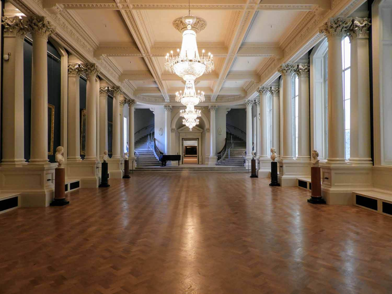 ireland-dublin-national-gallery-ballroom.jpg