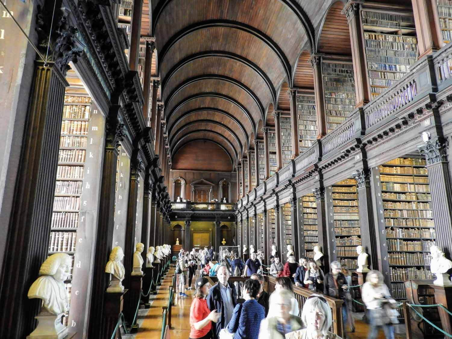 ireland-dublin-trinity-collage-library-tour.jpg