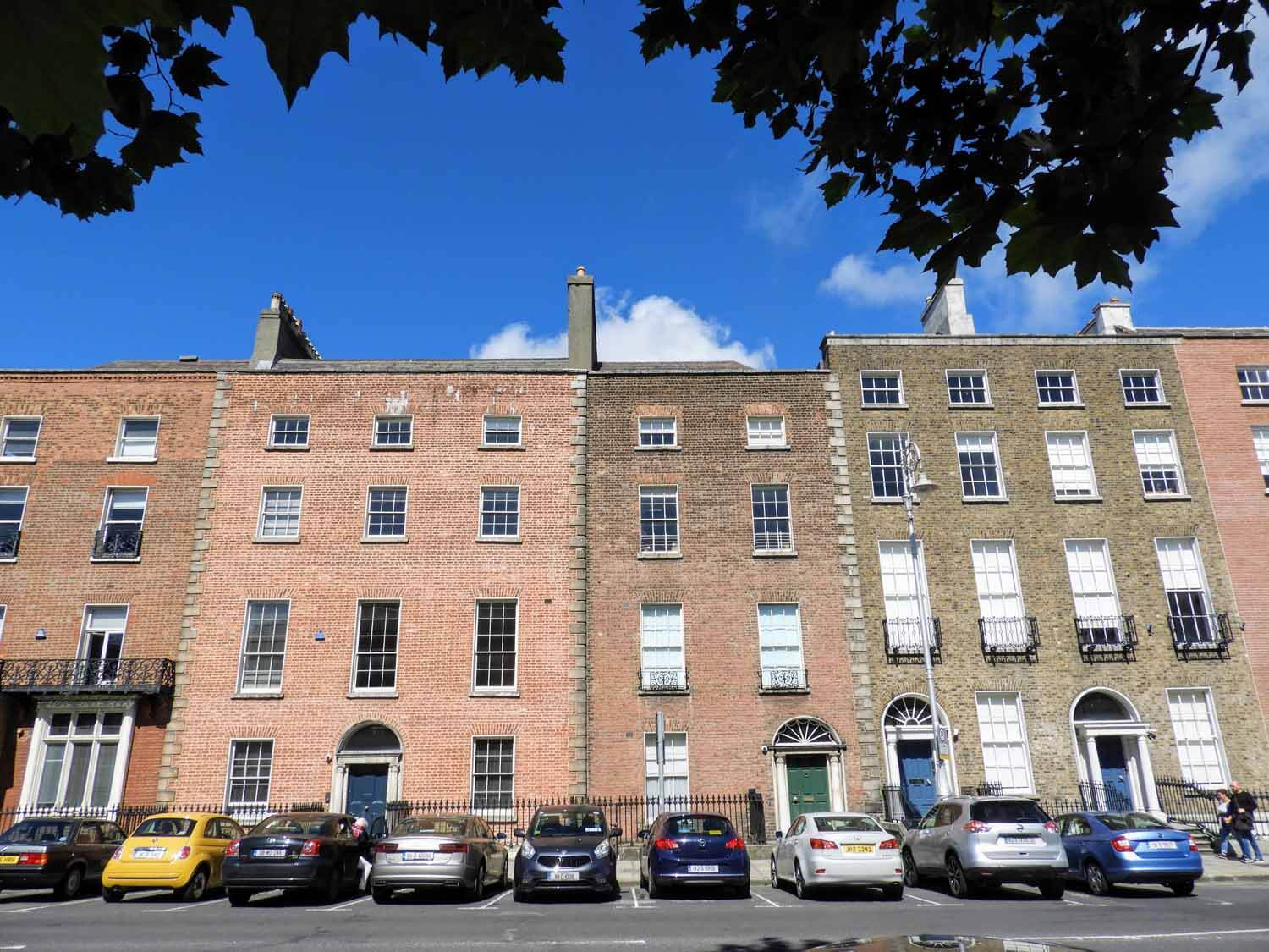 ireland-dublin-brick-row-houses.jpg