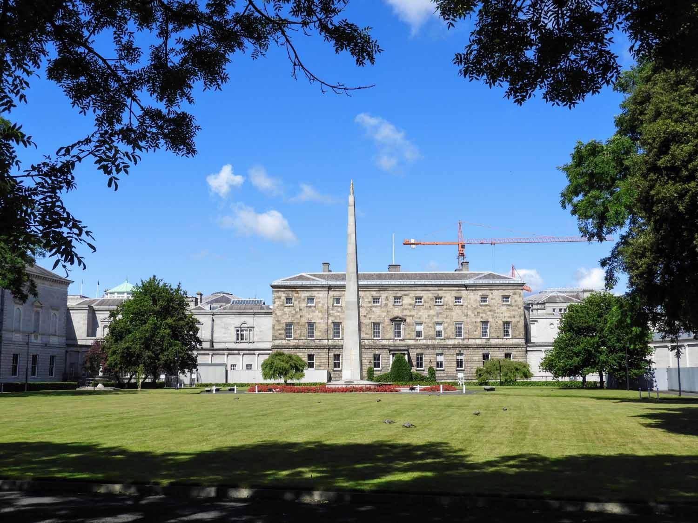 ireland-dublin-park-monument.jpg