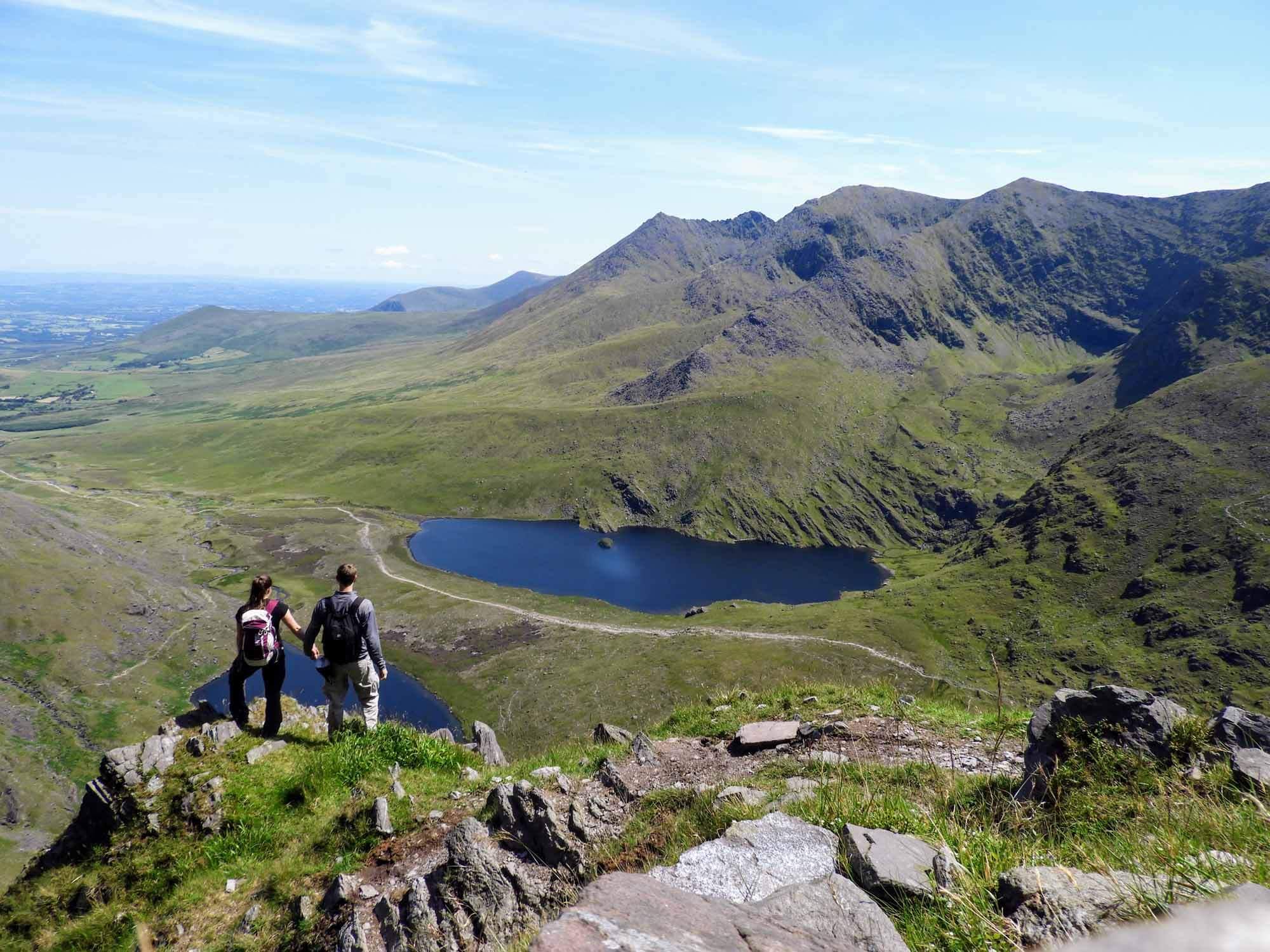 ireland-carrauntoohil-highest-mountain-peak-team-lake.jpg