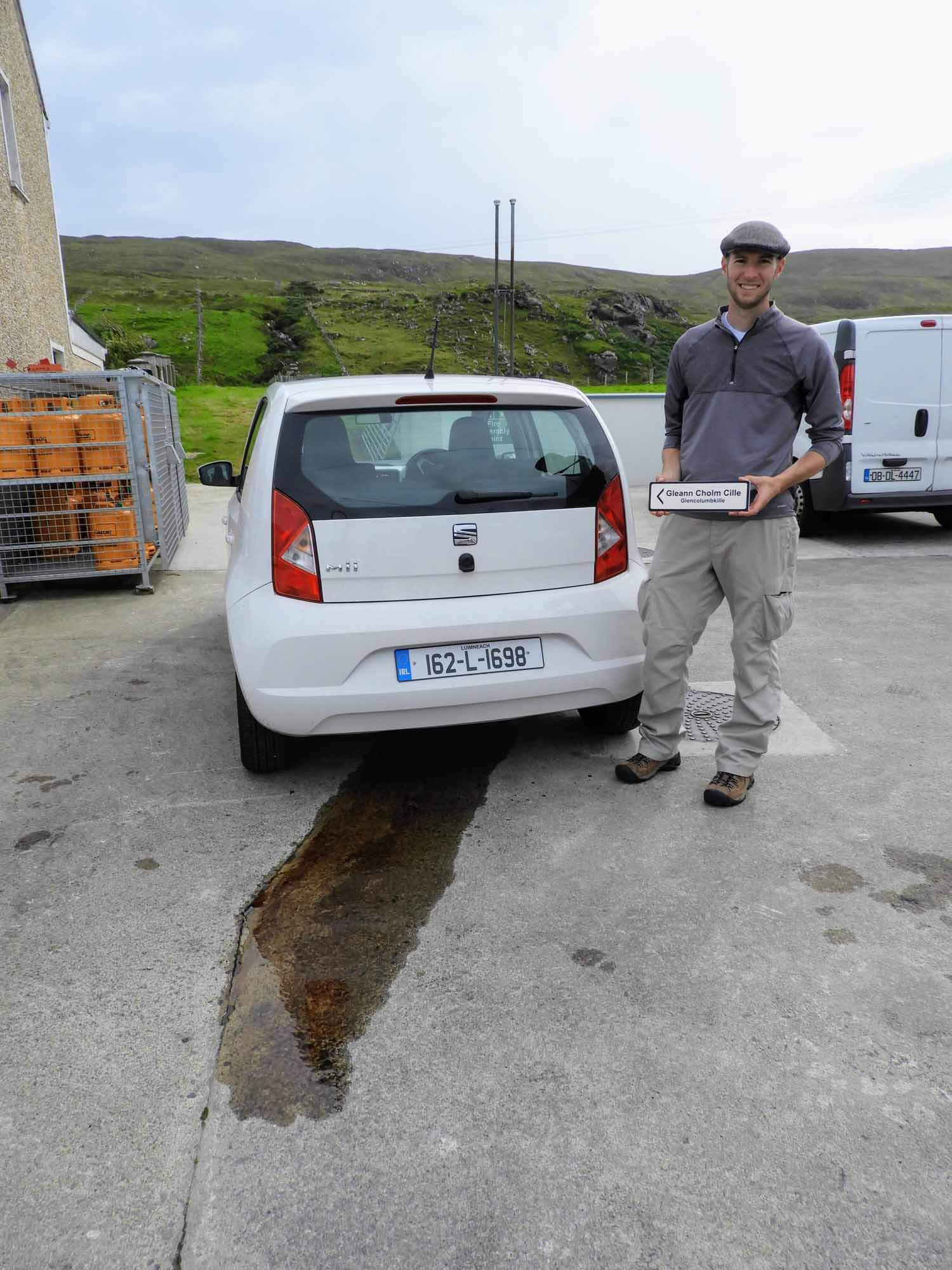 ireland-donegal-glencolumbkille-gleann-cholm-cille-car-broken-oil-leak.jpg