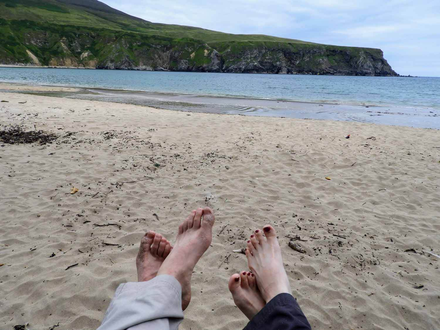 ireland-donegal-ireland-donegal-silver-strand-malin-beg-feet-team.jpg