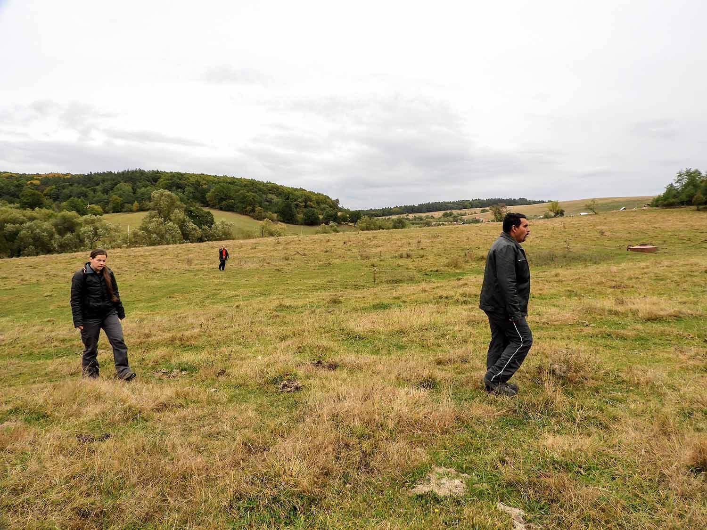 romania-hetea-kastalo-forest-gypsies (3).jpg