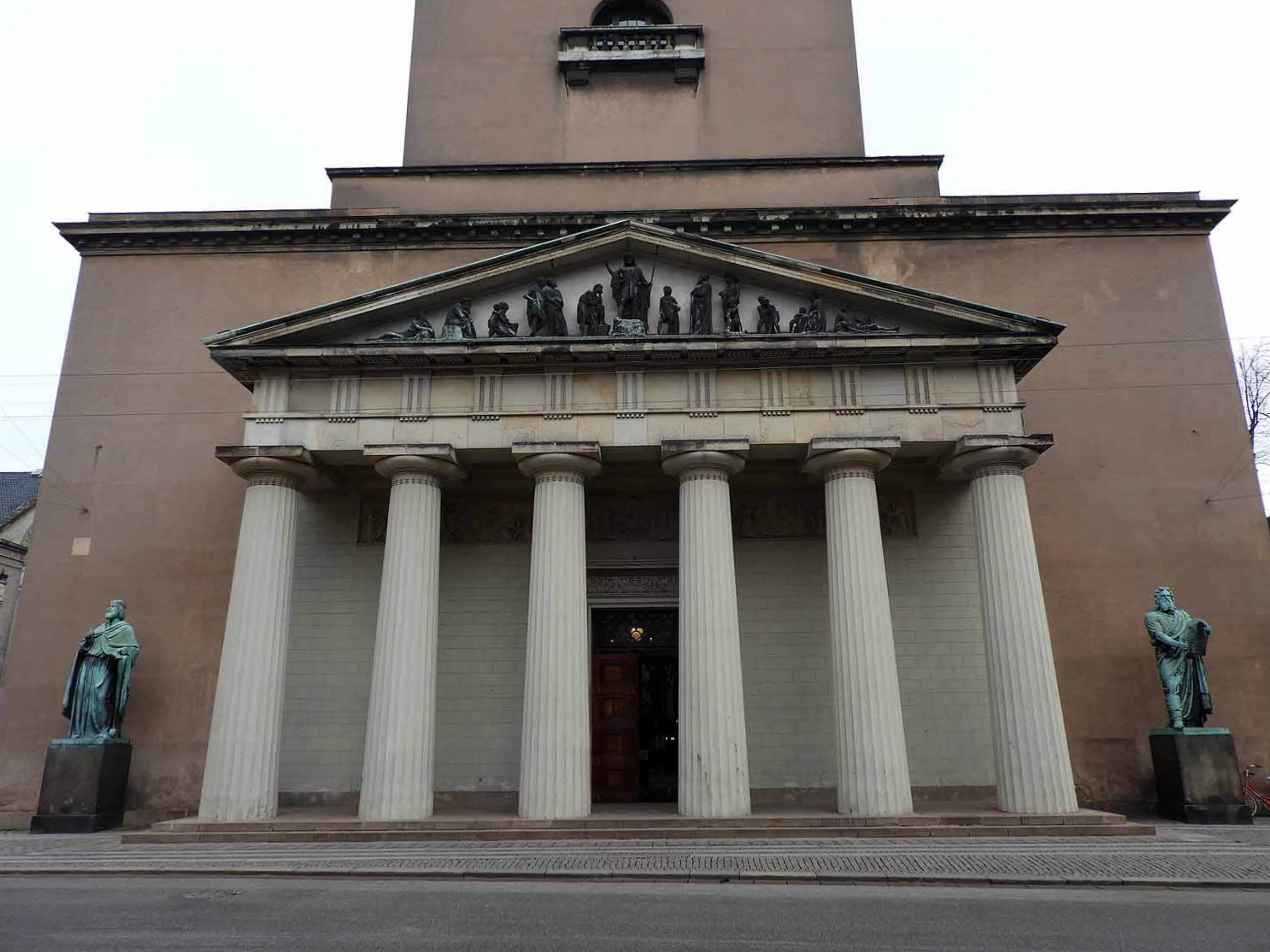 denmark-copenhagen-vor-frue-kirke-cathederal-exterior.JPG