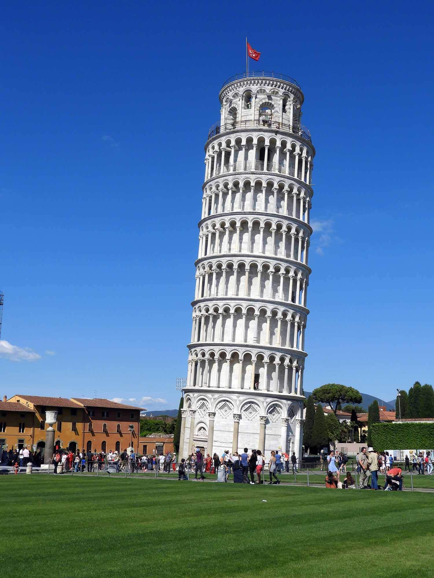 italy-italia-pisa-tower-leaning-vertical.JPG