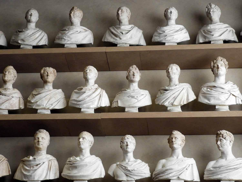 italy-italia-florence-galeria-da-academia-statue-bust-gallery.JPG