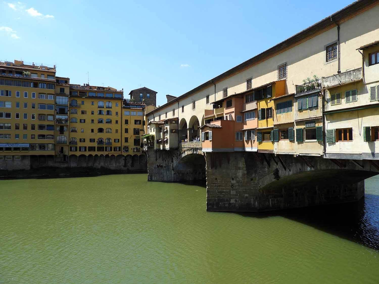 italy-italia-florence-ponte-vecchio-bridge-river.JPG