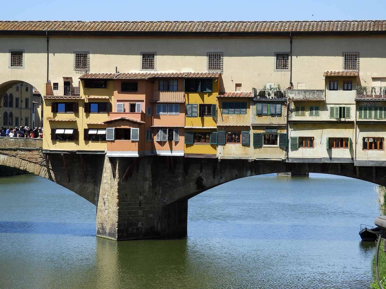italy-italia-florence-ponte-vecchio-river-bridge.JPG