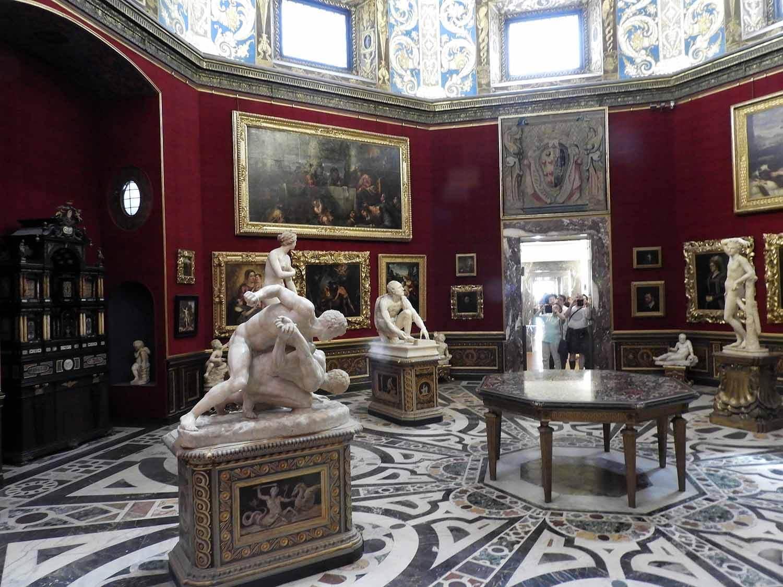 italy-italia-florence-uffizi-museum-gallery-room-marble-floor.JPG