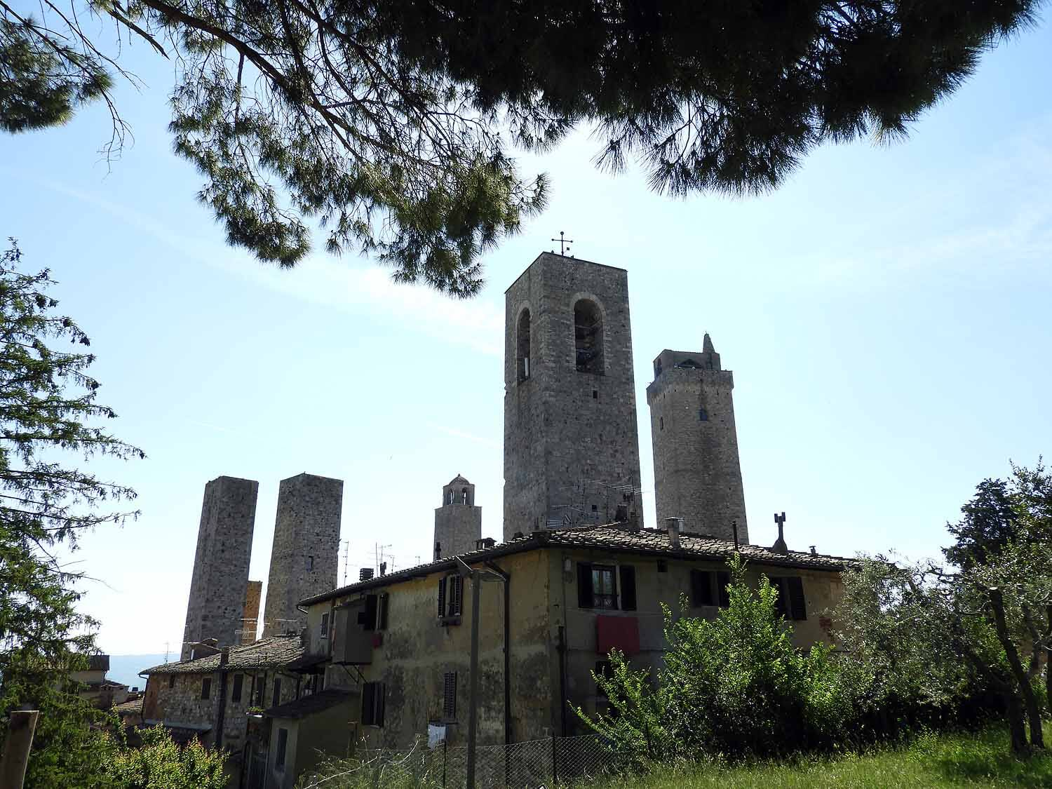 italy-italia-san-gimignano-tuscany-city-towers-five.JPG