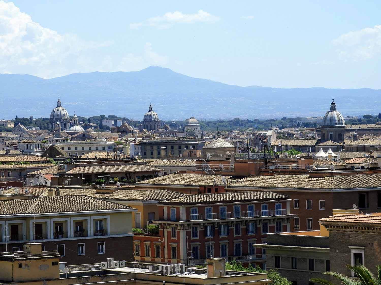 vatican-city-holy-see-italy-italia-rome-skyline.jpg