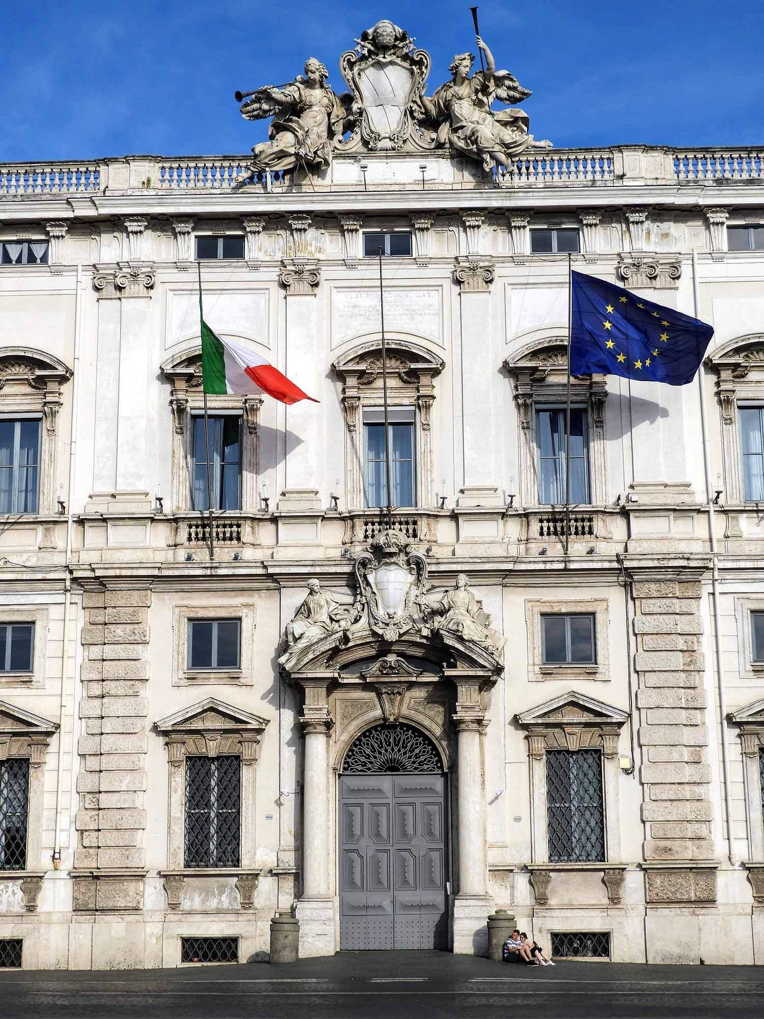 italy-italia-rome-quirinal-palace-palazzo-del-quirinale.jpg
