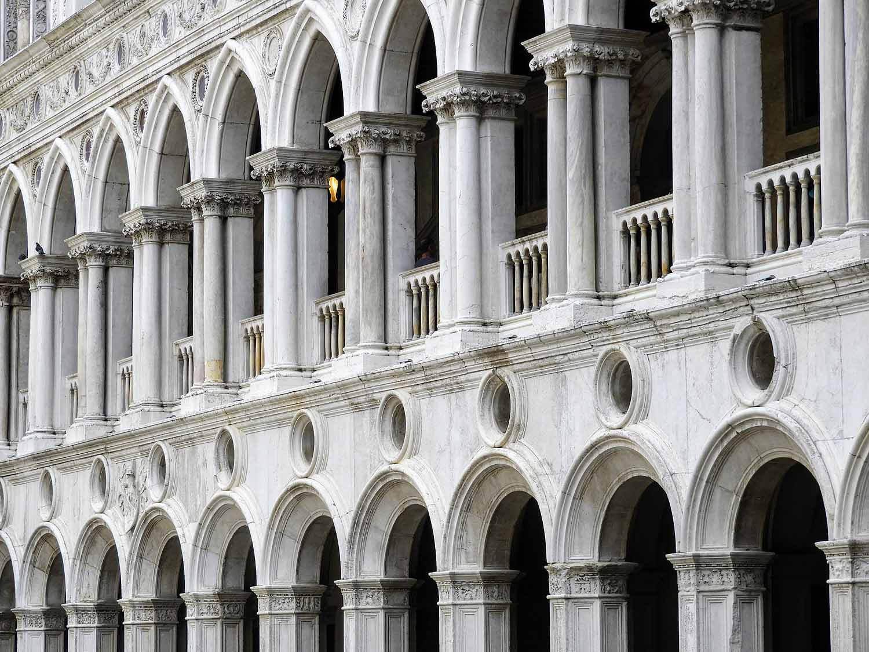 italy-italia-venice-palazzo-ducale-arches.jpg