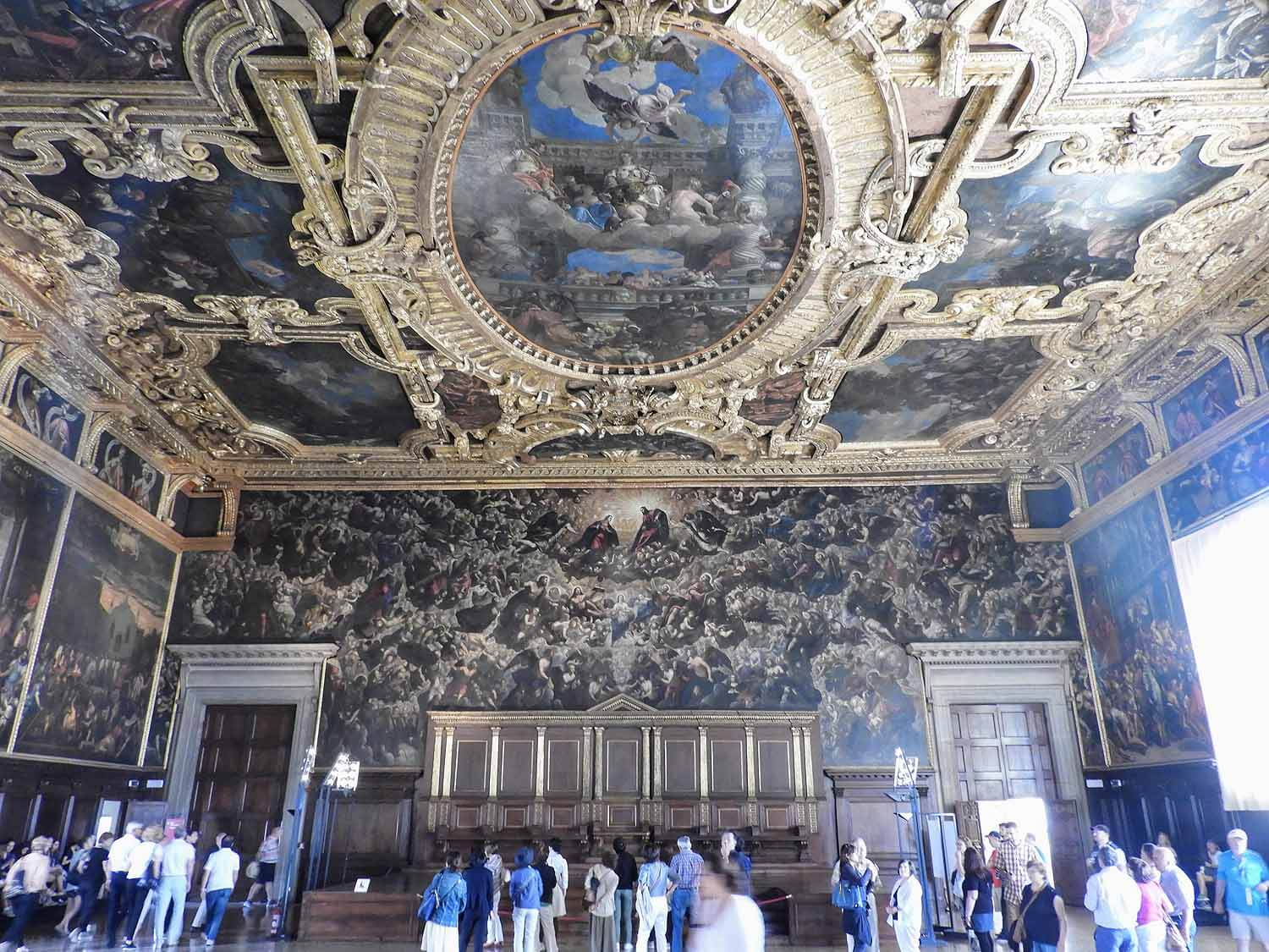 italy-italia-venice-palazzo-ducale-largest-oil-painting-world-ceiling-grand-hall.jpg
