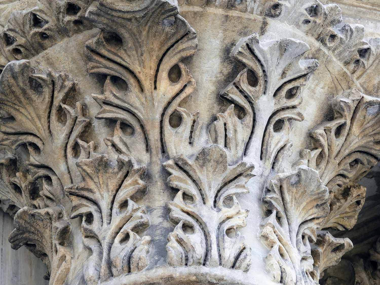 italy-italia-venice-saint-mark's-basilica-basilica di-san-marco-column.jpg