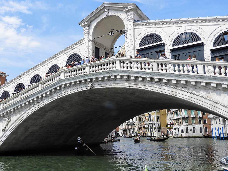 italy-italia-venice-rialto-bridge-ponte-di-rialto (1).jpg