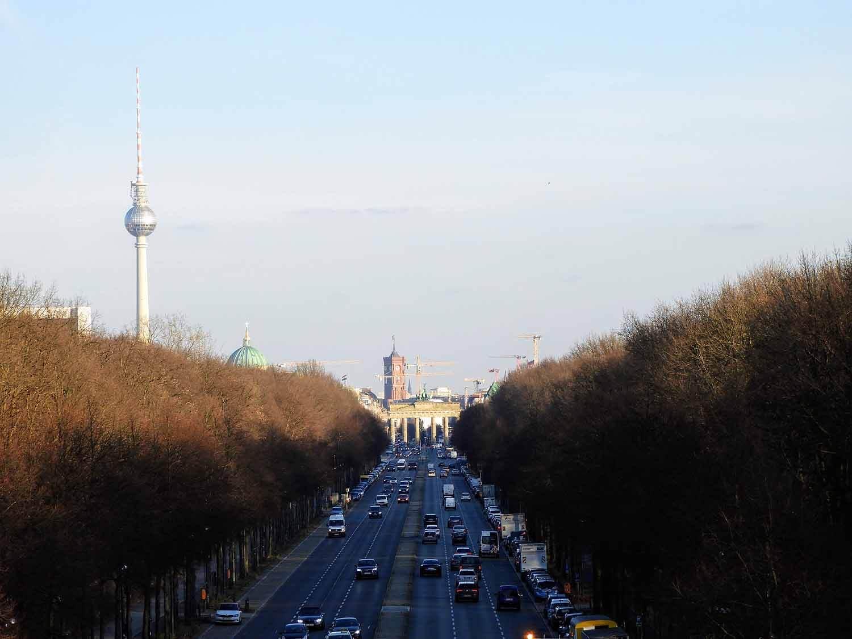 germany-berlin-brandenburg-gate-tower.jpg