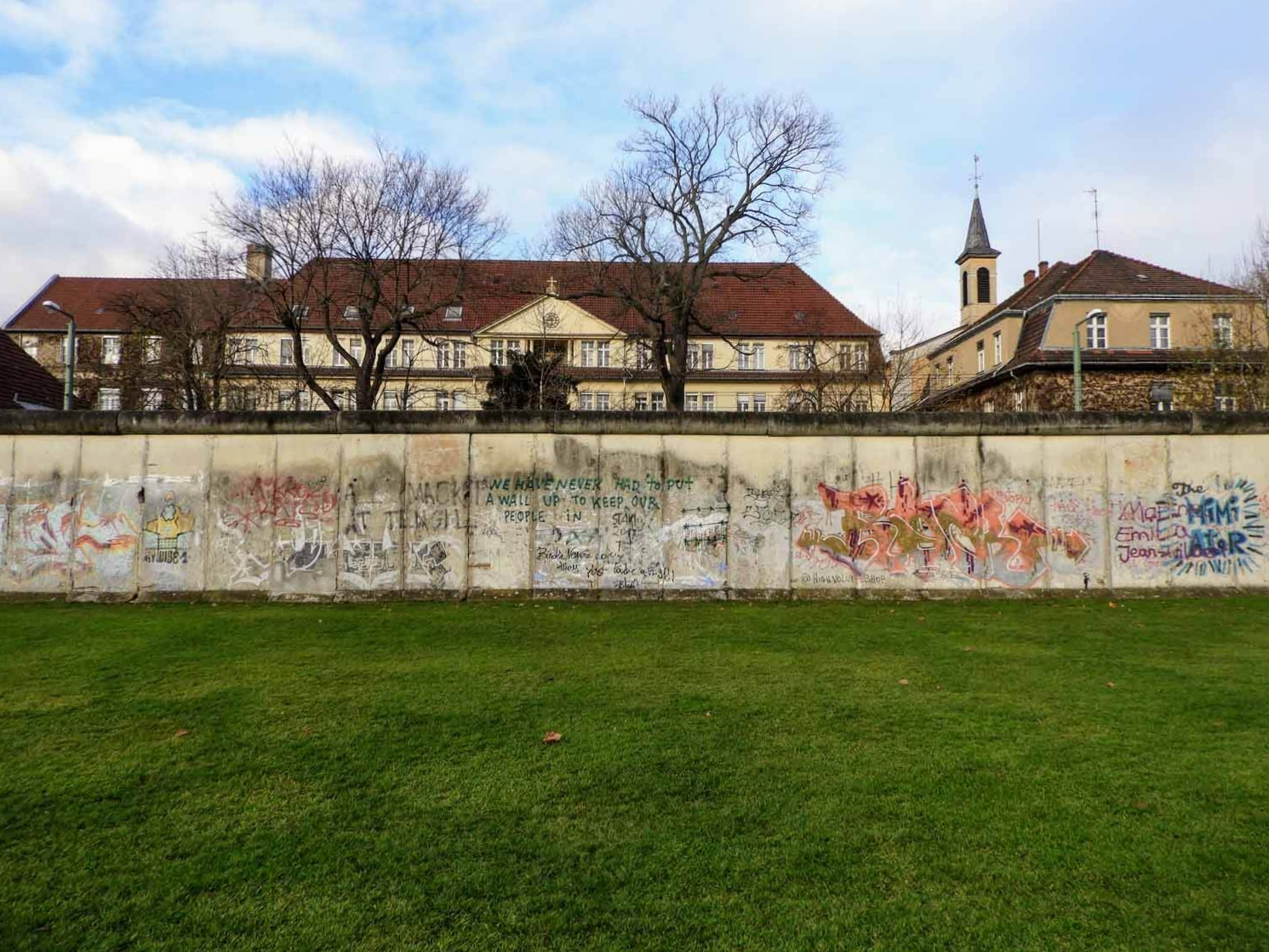 germany-berlin-wall-cold-war-soviet-union-west-vs-east-grafitti.jpg