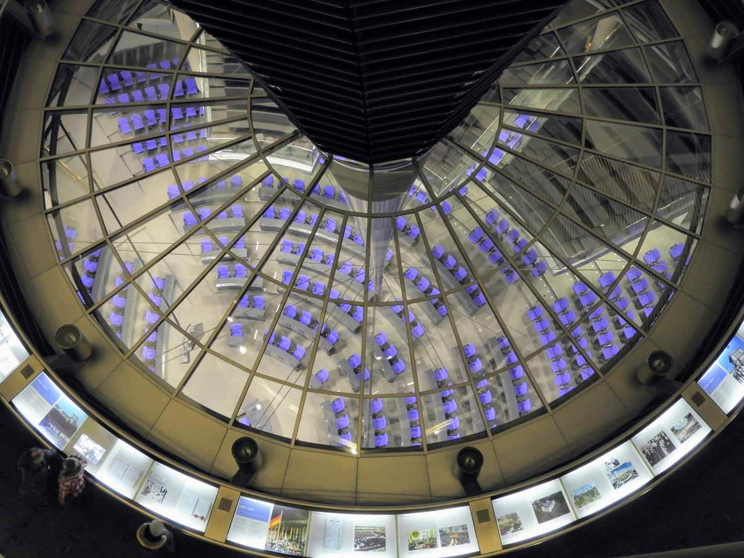 germany-berlin-reichtstag-building-government-building-interior.jpg