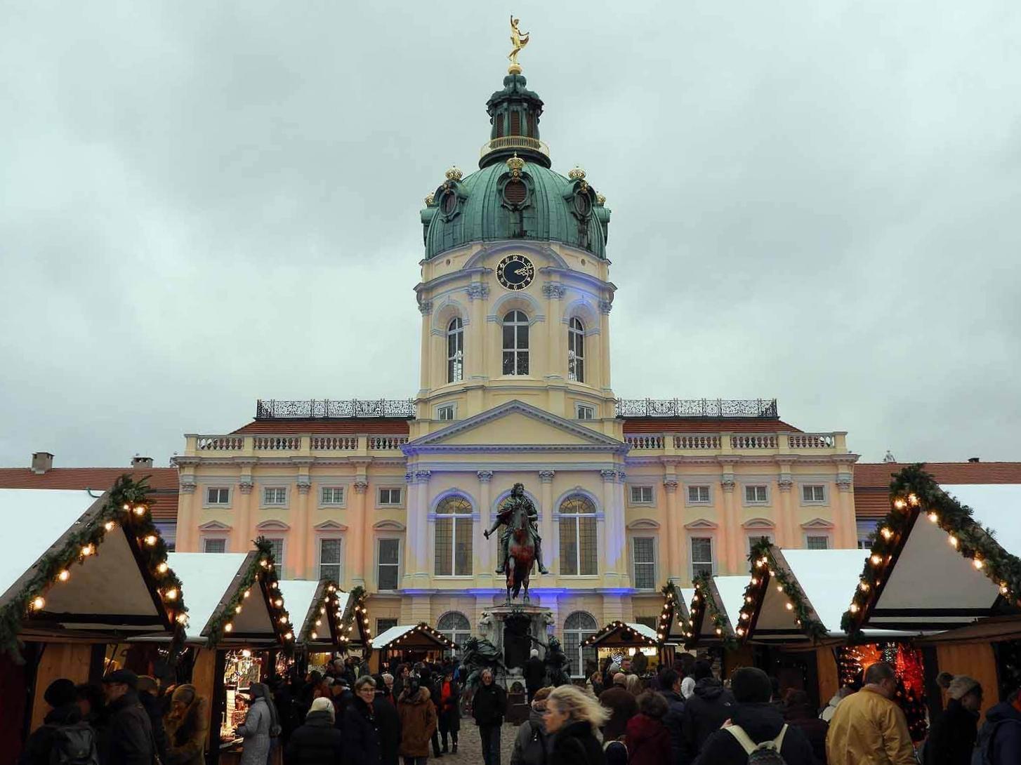 germany-berlin-christmas-market-stalls-december.JPG