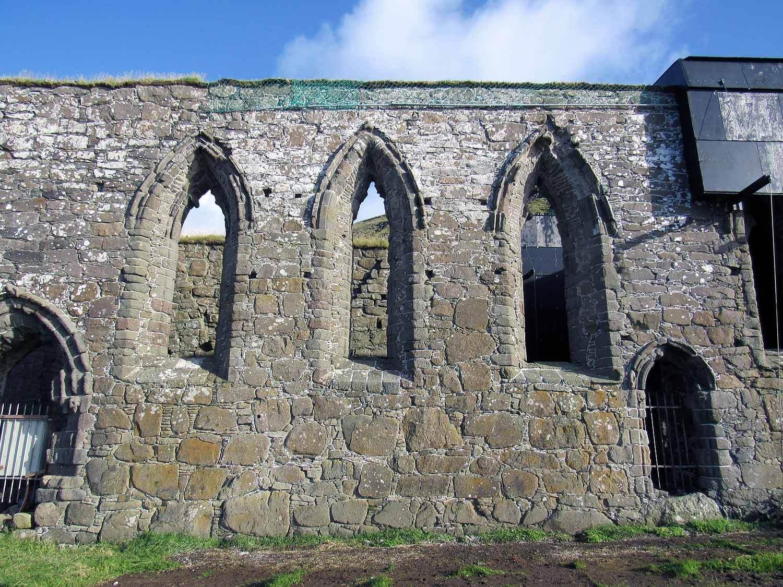 denmark-faroe-islands-streymoy-kirkjubour-kirka-church-ruins.JPG