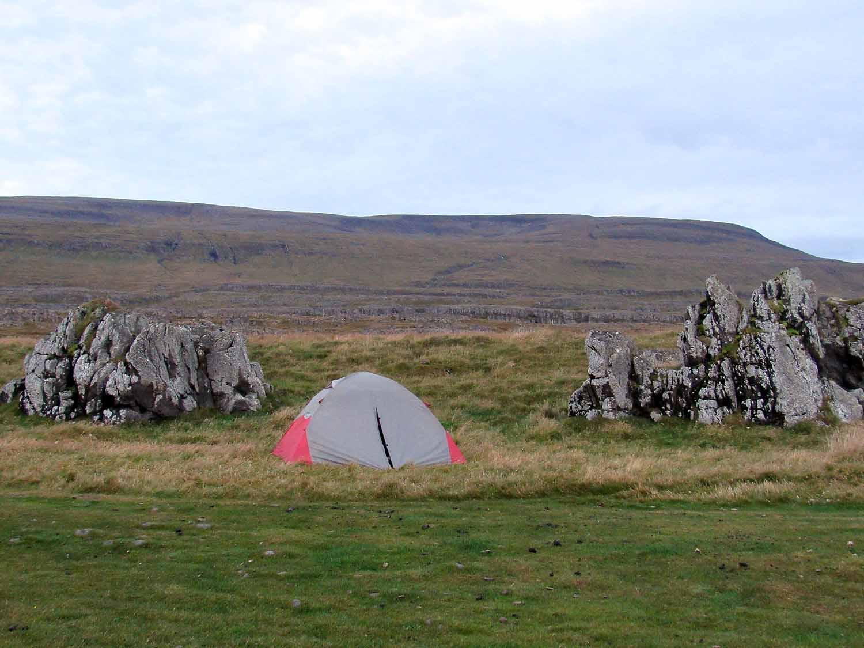 iceland-seal-beach-camp-tent-beach.JPG