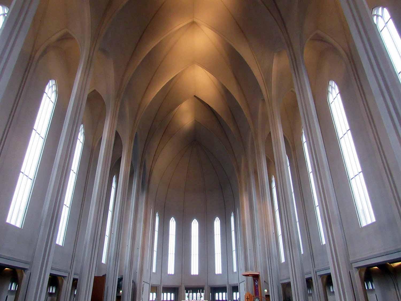 iceland-reykjavík-cathedral-interior.JPG