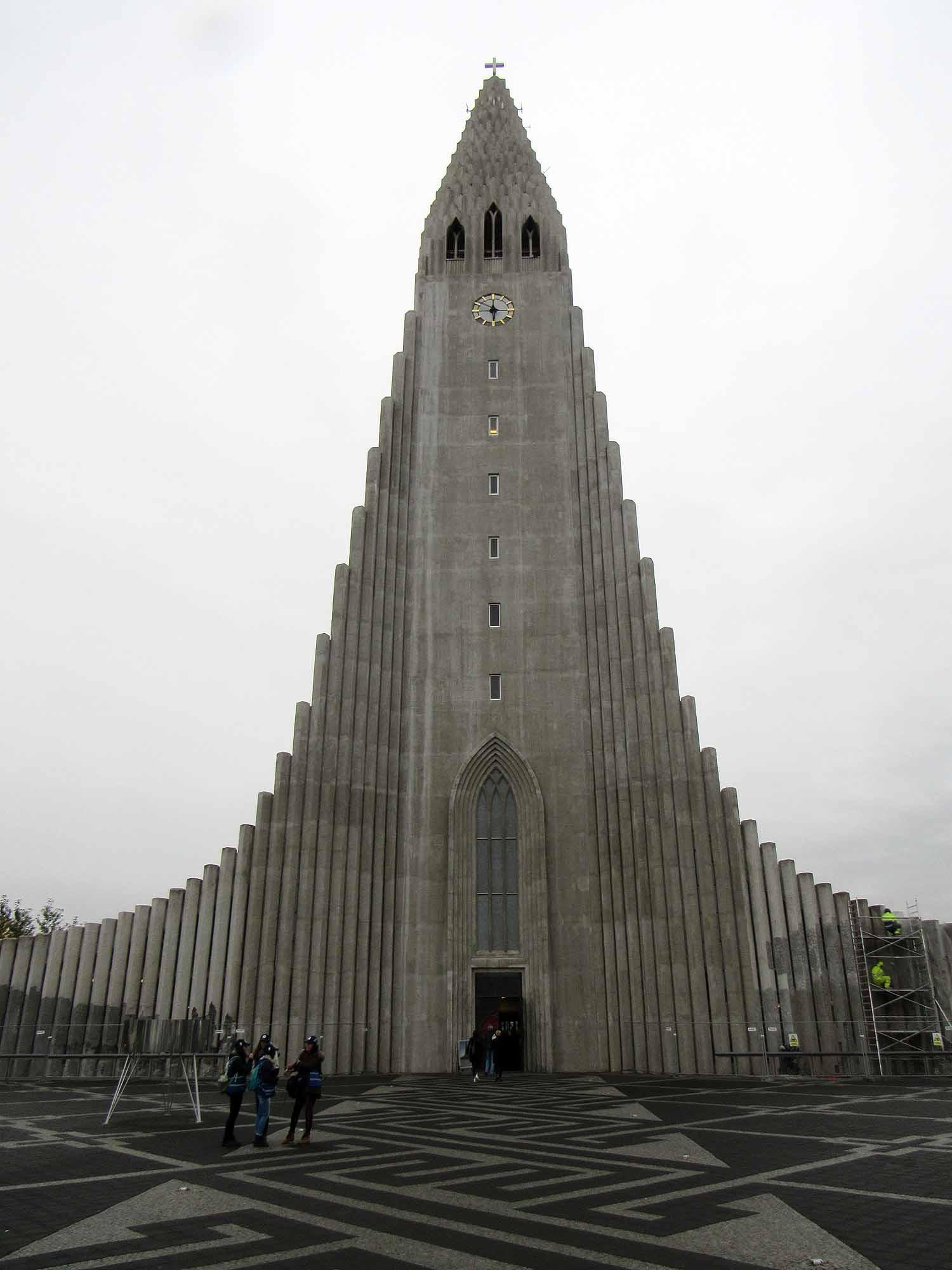 iceland-reykjavík-cathedral-exterior.JPG