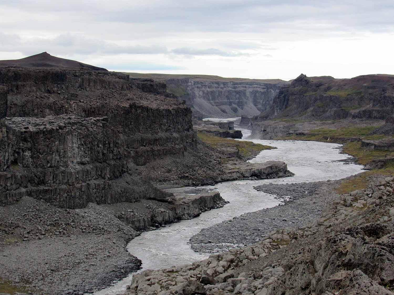 iceland-dettifoss-volcanic-river.JPG