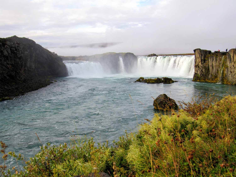 iceland-godafoss-waterfall-falls-greenery.jpg
