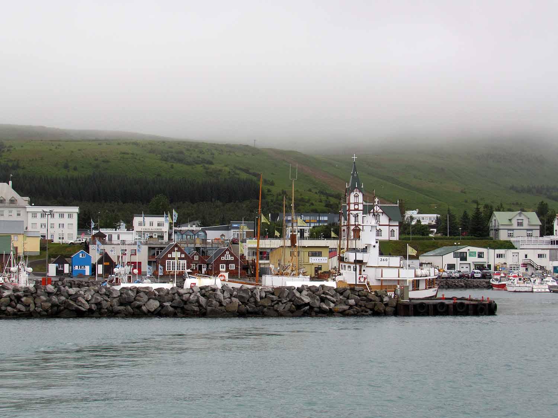 iceland-husavik-whale-watching-harbor.JPG