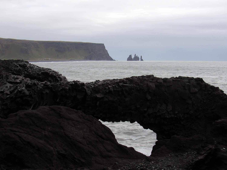 iceland-dyrhólaey -arch-rock.JPG