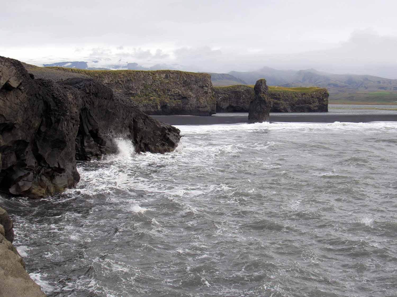 iceland-dyrhólaey-rocky-shore.JPG