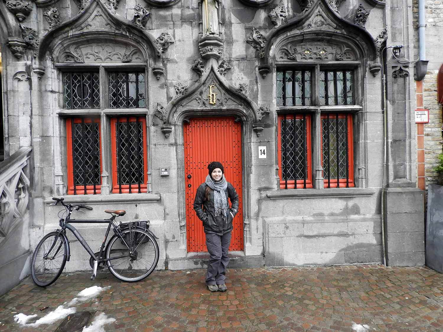belgium-bruges-house-red-door.JPG