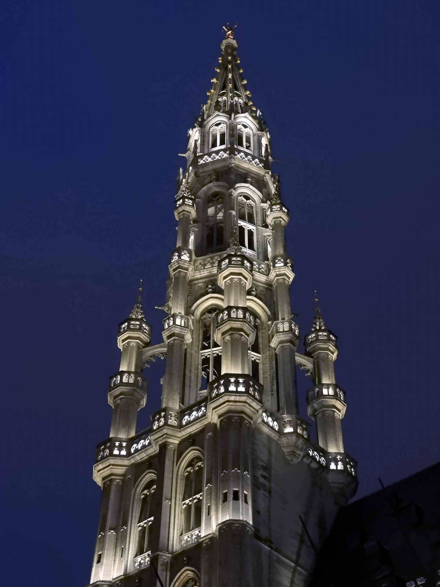 belgium-brussels-night-tower-grand-place.jpg